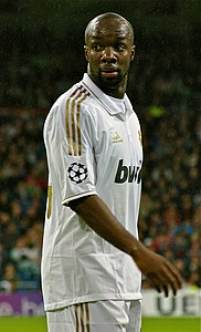 Lassana Diarra, Champions League 2011 against Dinamo Zagreb at Santiago Bernabeu.jpg