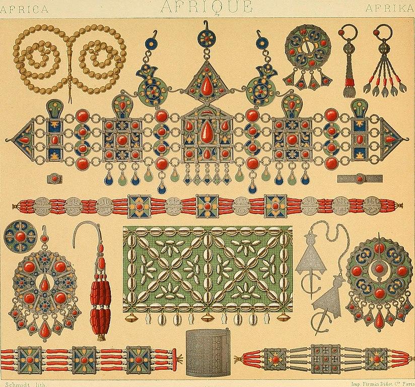Bijoux kabyles en partie en corail, d'autres bijoux au musée de corail d'Ascione de Naples