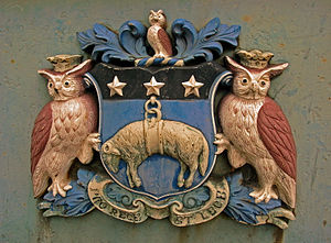 Coat of arms of Leeds - An impression of the coat of arms on Leeds Bridge.