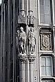 Liège, Palais Provincial04, statues de Hugues de Pierrepont et Jacques de Hemricourt.JPG