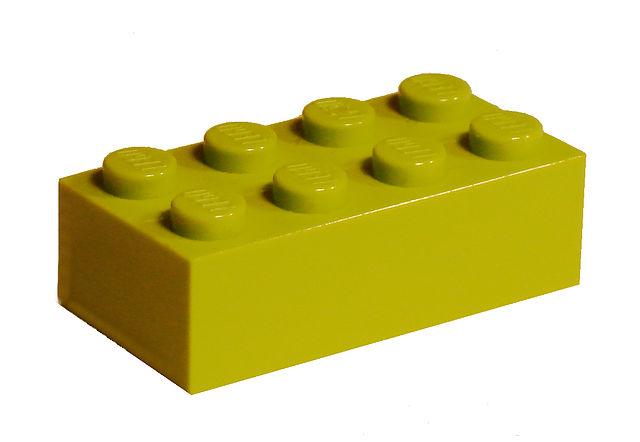 Легендарному кирпичу Lego на этой неделе исполняется 60 лет