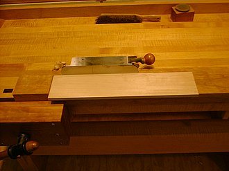Shooting board - A shooting board used for jointing (side view)