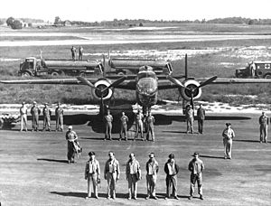 North American B-25 Mitchell - Crew and their B-25