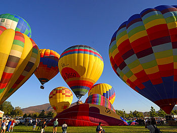 English: Hot air balloons, San Diego, California