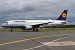 Lufthansa, D-AIPT, Airbus A320-211 (44283570142).jpg