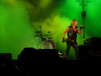 Vince Neil - Vince Neil on stage with Mötley Crüe in 2007