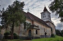 Măieruș - ansamblul bisericii evanghelice fortificate - vedere dinspre est.jpg