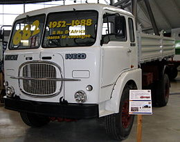MHV Fiat 682N3 King-of-Africa 1962.jpg