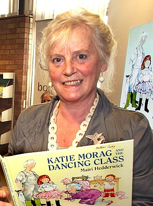 Mairi Hedderwick - Mairi Hedderwick at Wishaw library in 2007