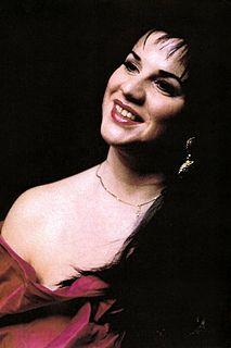 Maria Dragoni singer