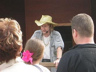 Mark O'Shea (herpetologist) - Mark O'Shea at West Midland Safari Park 3 April 2005