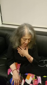 קובץ:Martha Argerich presents herself in Tel Aviv.webm