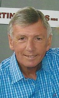 Martin Peters English footballer and manager
