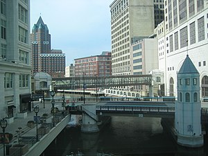 Milwaukee River - The Milwaukee River as it goes through downtown Milwaukee crossed by the Wisconsin Avenue bridge