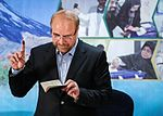 Mohammad Bagher Ghalibaf registering at the 2017 Iranian presidential election 11.jpg