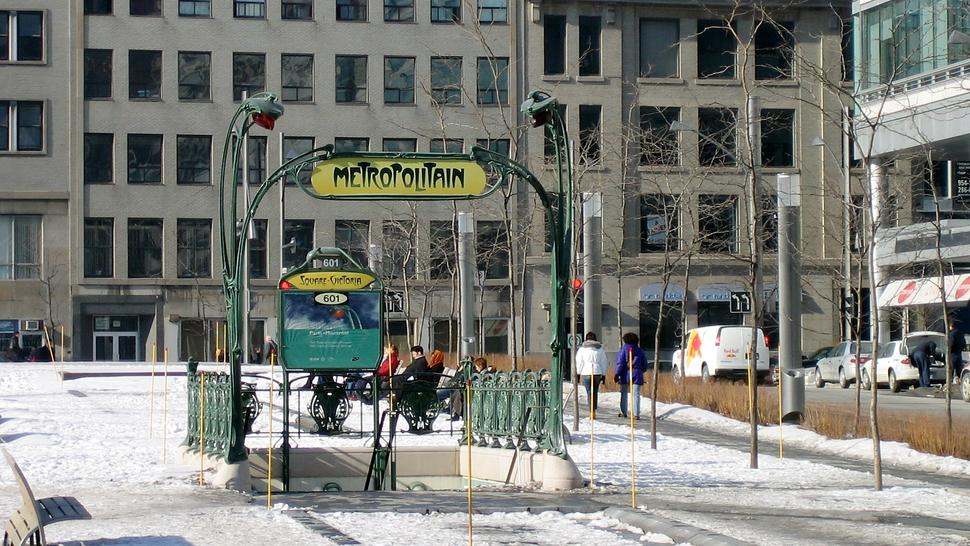 Montrea-Square Victoria Metro Station-Metropolitain-01