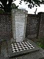 Monument Joodse begraafplaats Tiel 02.jpg