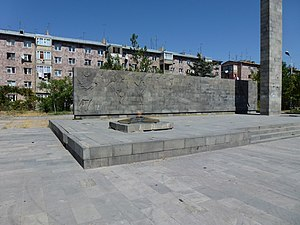 Monument for dead peoples in 2 War in Ejmiacin 03