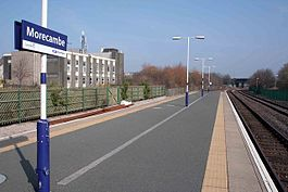 Morecambe railway station platform in 2009.jpg