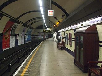 Mornington Crescent tube station - Image: Mornington Crescent stn northbound look north