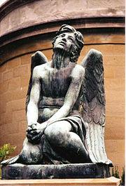 Escultura representando um anjo