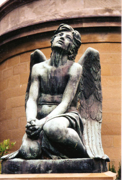 File:Mourning angel.jpg