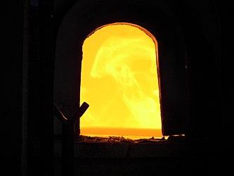 Murano furnace closeup 2.jpg