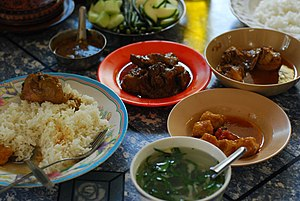 English: Traditional Burmese curry set with so...