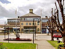 Nässjö station, sedd från Esplanaden, den 20 maj 2007.jpg