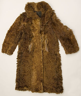 Buffalo coat - 1880 Commercially-made bison coat