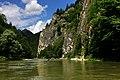 Na spływie Dunajcem przełomem przez Pieniny. - panoramio.jpg