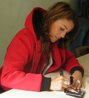 Nâdiya - Nâdiya signing autographes (2006)