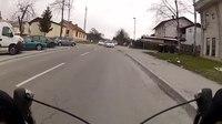 File:Nevarnostniki na cesti.webm