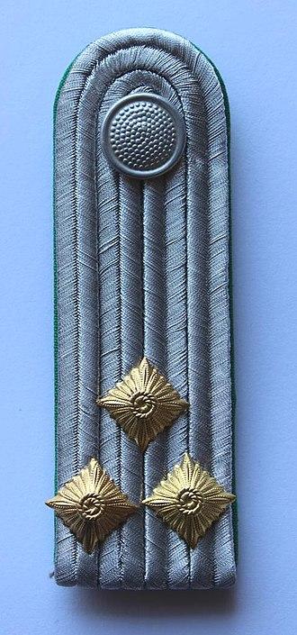 Oberleutnant - Image: Oberleutnant GT Schulterstück