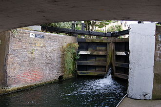 Hertford Union Canal - Hertford Union Middle Lock No. 2