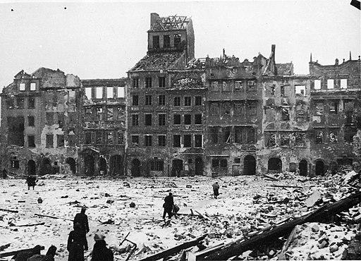 Old Town Warsaw waf-2012-1501-31(1945)