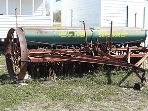 Agriculture in Saskatchewan - Horse-drawn grain and fertilizer drill