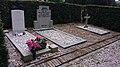 Oorlogsgraven in Vianen (Utrecht).jpg