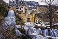 Orbaneja del Castillo. Caída de la cascada en el Ebro.jpg