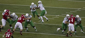 2014 NCAA Division I FBS football season - Image: Oregon vs South Dakota, August 30, 2014