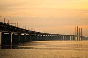 English: The Öresund Bridge, a conjoined twin-...