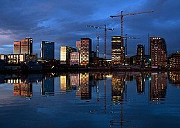 Oslo night skyline 2011.jpg