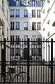 P1280544 Paris IX rue Fbg-Poissonniere N32 hotel particulier rwk.jpg