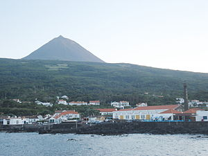 São Roque do Pico - The port and historic centre of the civil parish of São Roque, showing the whaling museum, and former rendering factory along the coast