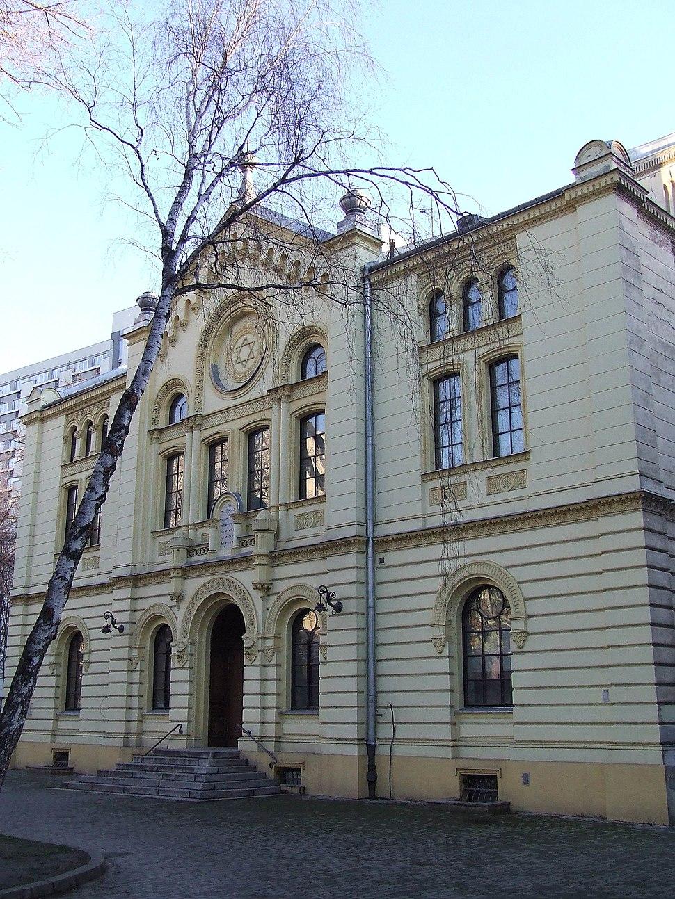 PL Warsaw Synagoga Twarda front
