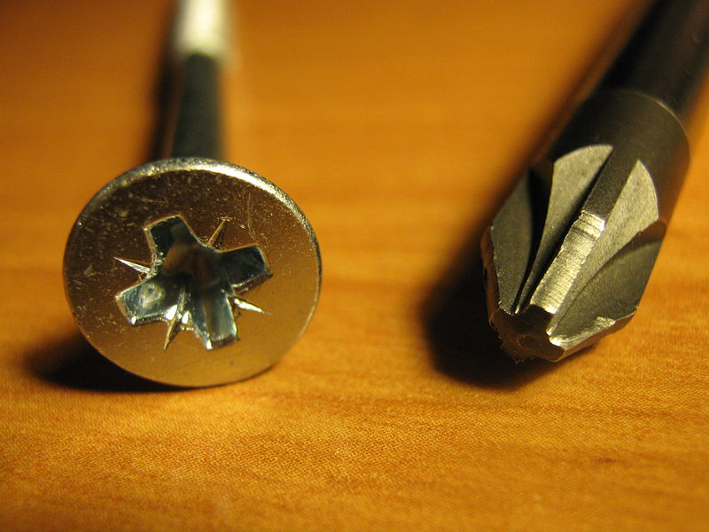 File:POZIDRIV screwdriver and screw.JPG