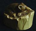 Pachyure étrusque sculptée.jpg