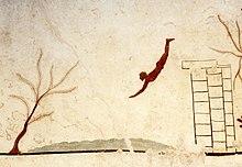Il tuffatore di Paestum (480-470 a.C.). Esempio di spiritualità tardo-antica sul tema della morte nella raffigurazione tombale del tuffatore che, saltando dalle pulai, le mitiche colonne d'Ercole, simbolico limite della conoscenza umana, si getta nel mare della morte per un transito verso un mondo di conoscenza diverso da quello terreno