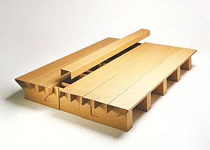 Cardboard furniture - Image: Pappbett Hans Peter Stange 1989