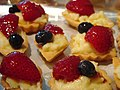 Parisian Fruit Tartlets, September 2009.jpg